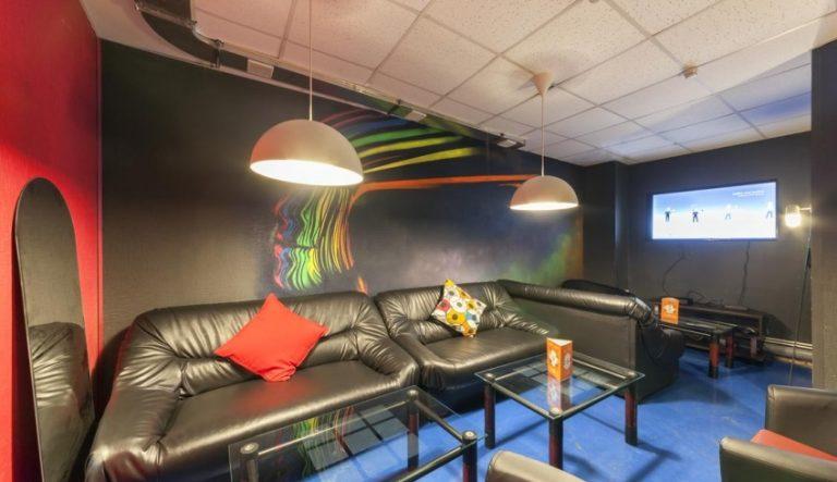 Кальянная Кальянная F-Lounge Street Art — Москва по адресу Гарднеровский переулок