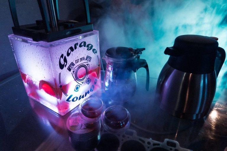 garage-lounge-3